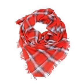 Červený šátek Katie