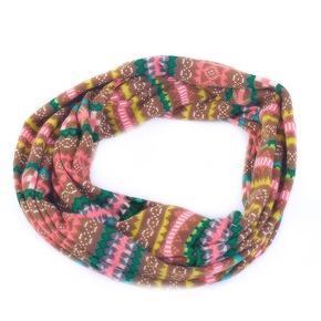 Zelený šátek Pegy s norským vzorem