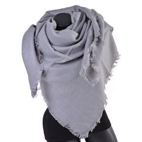 Huňatá jednofarebná dámská šála Hedvika šedá